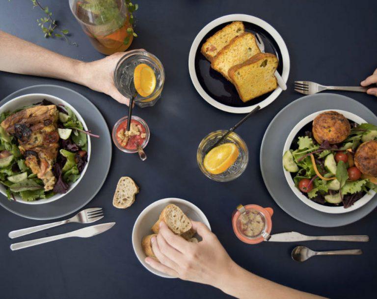 Away Hostel & Coffee Shop propose un brunch pas cher à Lyon tous les dimanche